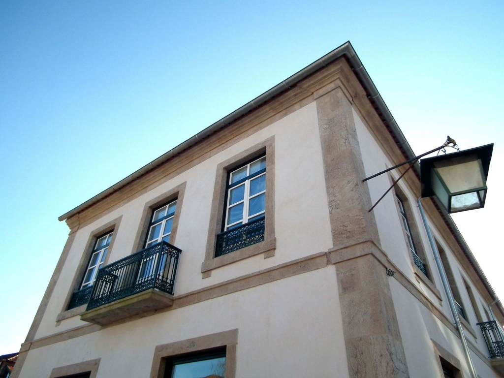 Edifício de Serviços e Habitação